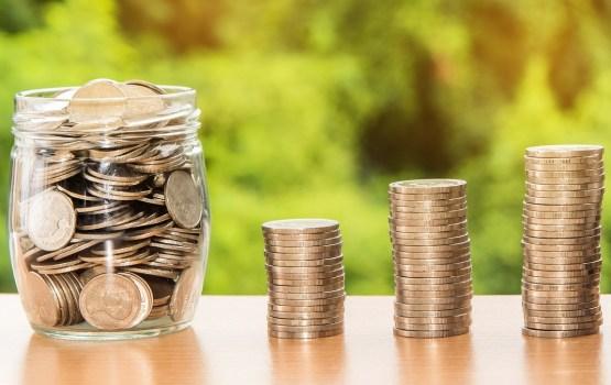 Опрос: 9,6% латвийцев планируют меньше пользоваться услугами банков