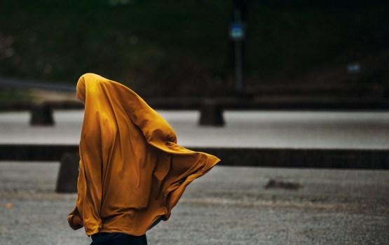 Мать заманила 13-летнюю дочь в Пакистан, выдала замуж и села за это в тюрьму