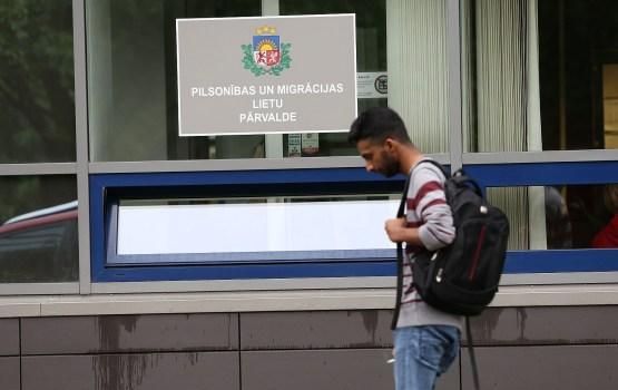 Eurobarometer: треть латвийцев видят положительное влияние иммиграции