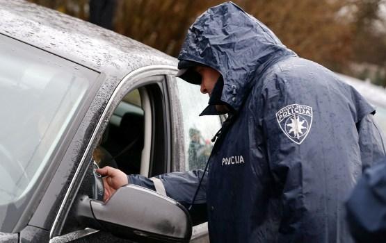 Полиция начинает массовые проверки на дорогах