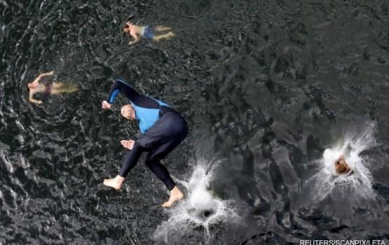 Экстремальное плавание: за лето в Латвии - 20 переломов позвоночников