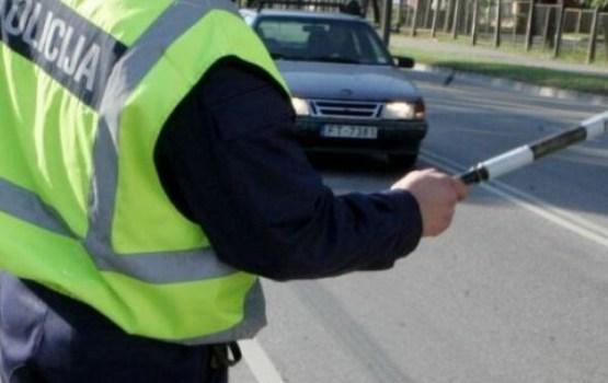 Обязан ли предъявлять документы полицейскому, если ничего не нарушил?