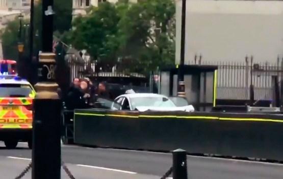 Наезд на людей у британского парламента квалифицирован как теракт