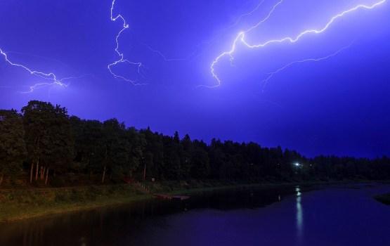 В Екабпилсе и его окрестностях зарегистрировано около тысячи вспышек молний