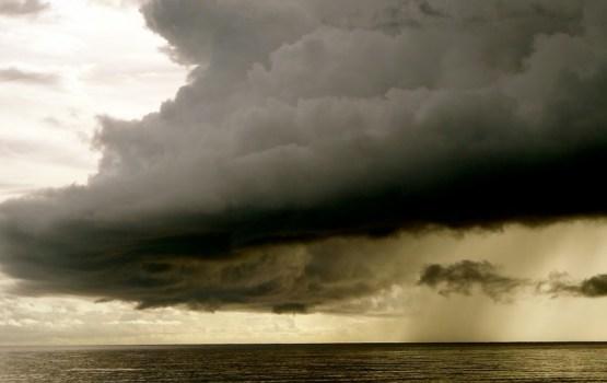 Синоптики обещают бурю и затяжные дожди в середине недели