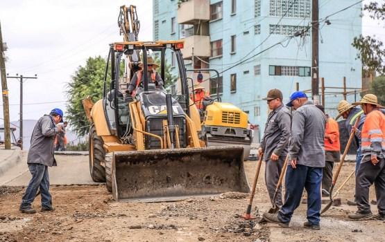 Неудобства автоводителям доставляют работы на улице Селияс