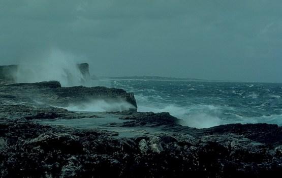 МИД: «Латвийцы не пострадали при шторме в Португалии»