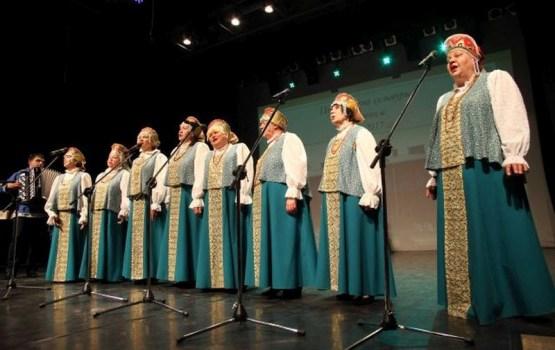 «Русичи» покорили столичную публику ретро-лирикой