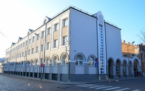 В помещениях Государственной гимназии продолжаются строительные работы