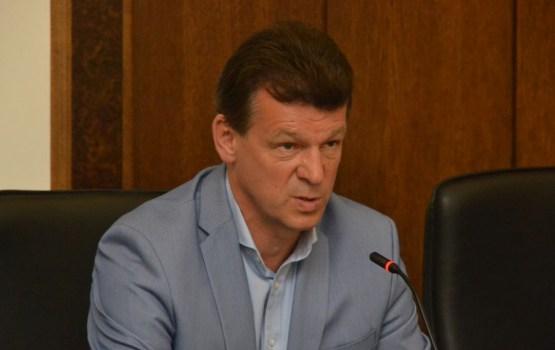 Депутаты не поддержали желание Эйгима приобрести автомобиль