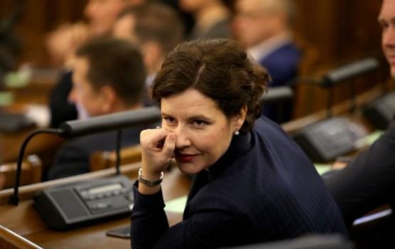 Министра финансов ЛР разжаловали в секретарши