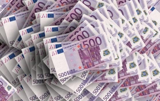 Латвиец оформил на других людей кредиты в размере 14 347 евро