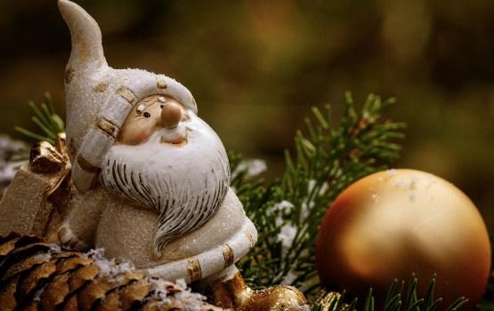 Рождественская контрабанда: таможня РФ задержала более тонны елочных украшений из Латвии