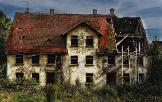 Сейм рассмотрит предложение об уголовном наказании для хозяев аварийных домов