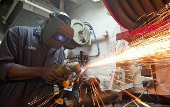 Уровень безработицы в прошлом году снизился до 7,4%