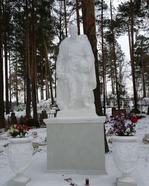 Даугавпилс с памятниками не воюет
