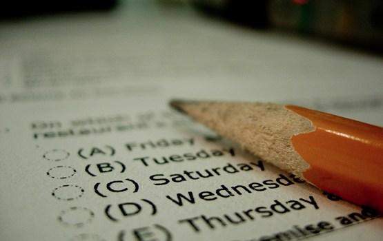 Задержана учительница, «слившая» экзамен по английскому языку