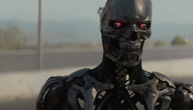 В первом трейлере нового «Терминатора» показали седую Сару Коннор