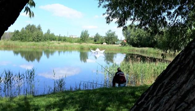 Озеро Губище обзавелось своим корабликом