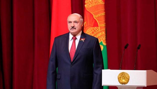 Лукашенко потребовал обязательного прохождения белорусскими мужчинами срочной службы