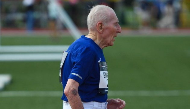 96-летний пенсионер установил мировой рекорд по бегу