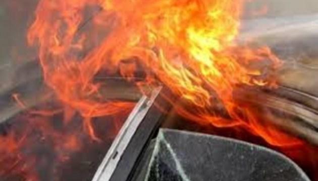 Пограничник на трассе Карсава-Резекне спас женщину из горящей машины
