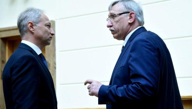 Сенатор Верховного суда не констатировала оснований для отставки Калнмейерса
