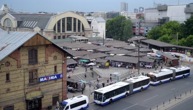 Ниточка от скандального предприятия на Центральном рынке Риги тянется к бюро советника бывшего мэра