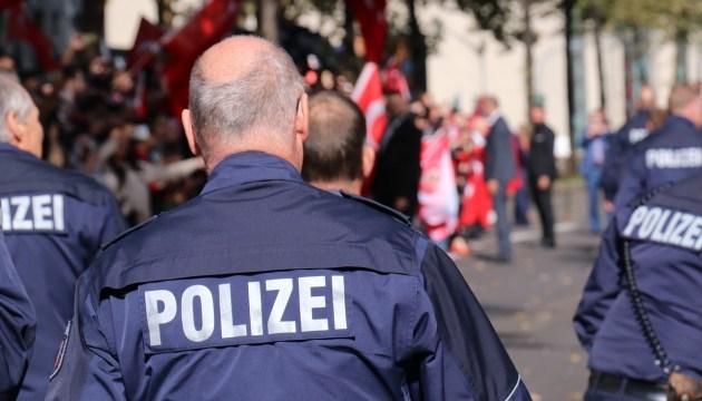 Германия: гражданин Латвии пытался на улице ограбить 14-летнего школьника