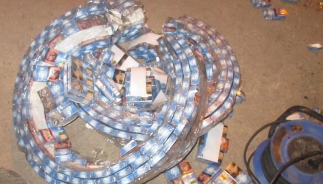 Таможенники изъяли почти 35 тысяч пачек контрабандных сигарет
