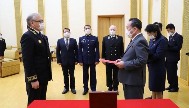 Путин наградил Ким Чен Ына медалью Победы