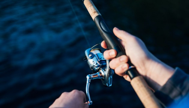 На Эспланаде с сегодняшнего дня разрешено ловить рыбу