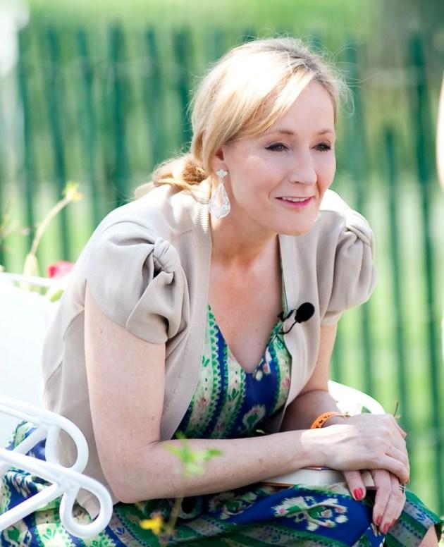 Джоан Роулинг опубликовала пролежавшую 10 лет на чердаке сказку