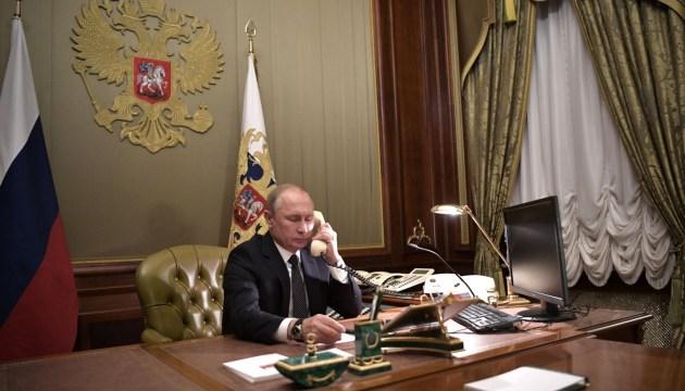 Путин заявил Макрону, что считает Навального симулянтом и предположил, что тот принял яд сам