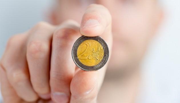 В следующем году на 2,72 млн евро уменьшатся расходы на командировки госслужащих