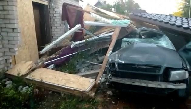 Лихачи сносят дома и гибнут на месте ДТП