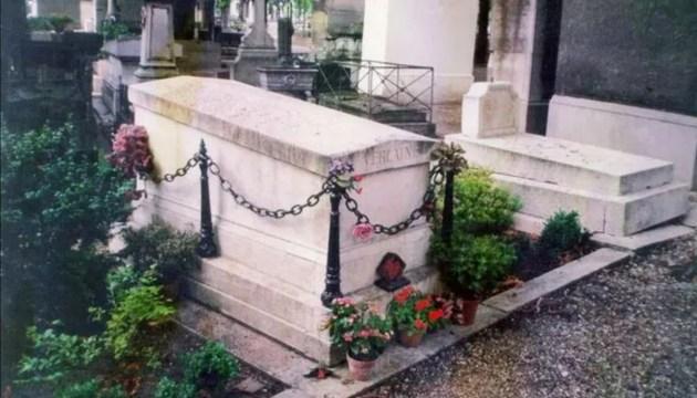 Элита Франции: «Похороните их вместе…»