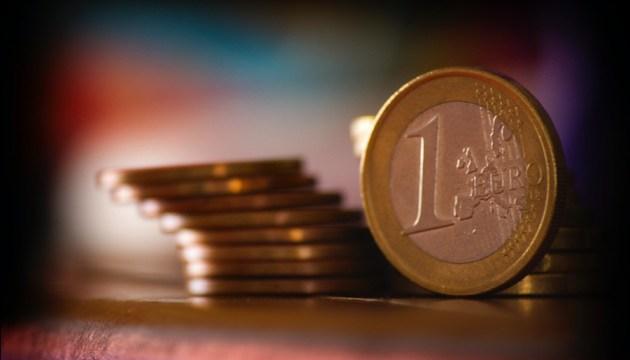 Пособия по простою смогут достигать 1000 евро, а субсидируемые зарплаты работников пострадавших компаний - 500 евро