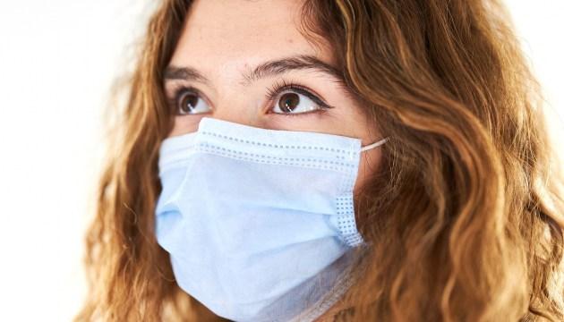 С сегодняшнего дня людей без масок нельзя пускать в общественные помещения и обслуживать
