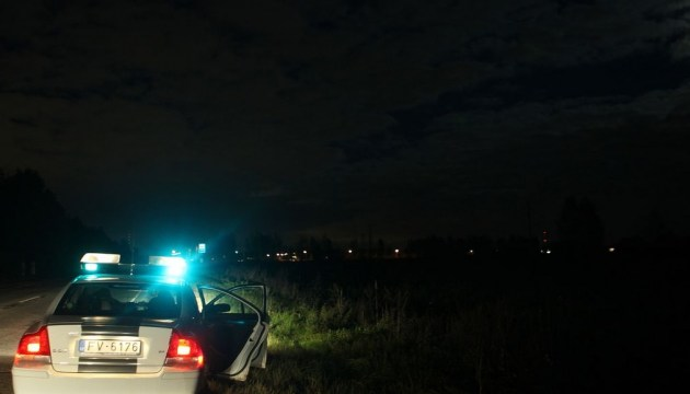 BMW влетела в кювет: один парень погиб, двое - пострадали