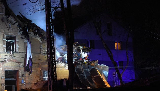 Взрыв дома в Агенскалнсе: есть жертвы (ВИДЕО)