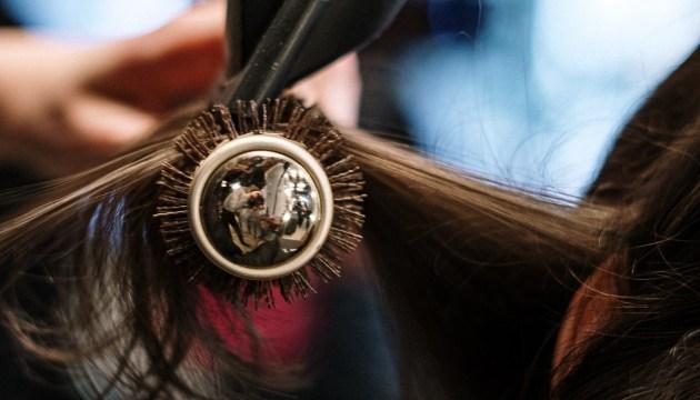 В Литве открываются парикмахерские, салоны красоты и некоторые магазины