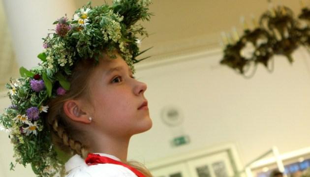 Локально: праздник песни и танца школьников может пройти в регионах