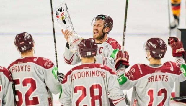 Сборная по хоккею на чемпионате мира – без вакцины