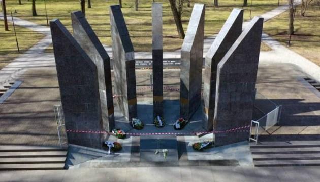 Запланирован ремонт мемориала в парке Дубровина. Возможно, уже на этой неделе (ВИДЕО)