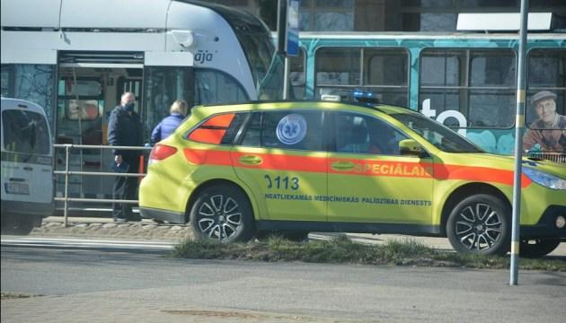Подробности нападения на водителя трамвая в Лиепае от очевидца: «Убийца просто вышел и ушел»