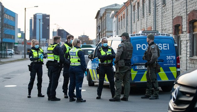 В результате поножовщины в таллинском хостеле двое человек пострадали, нападавший пустился в бега