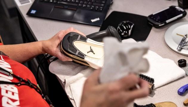 Nike планирует продавать б/у обувь