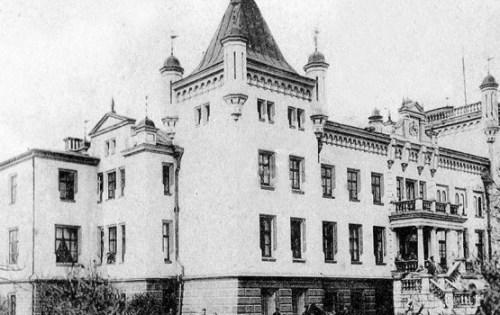 Калкунский замок: продается пруд, разыскивается богатая родня