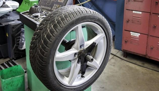 Автомобильные шины могут резко подорожать. Причины объясняют торговцы